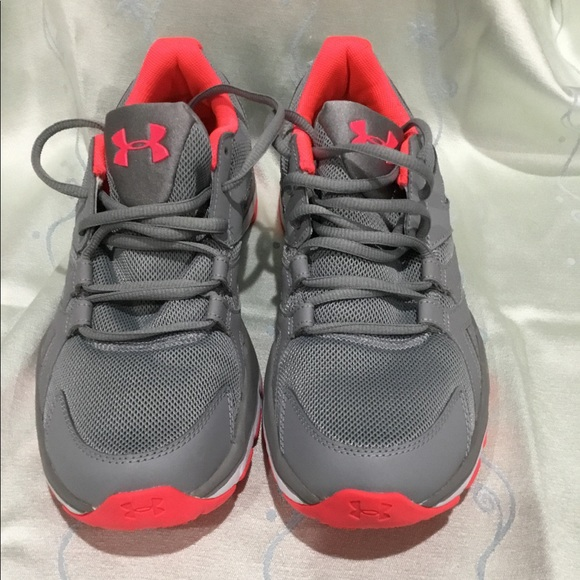 02c85dc908d8 Under Armour ankle high running shoe